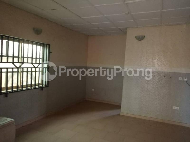 3 bedroom Blocks of Flats House for rent Asaju Area Odo ona Elewe Ibadan. Akala Express Ibadan Oyo - 3