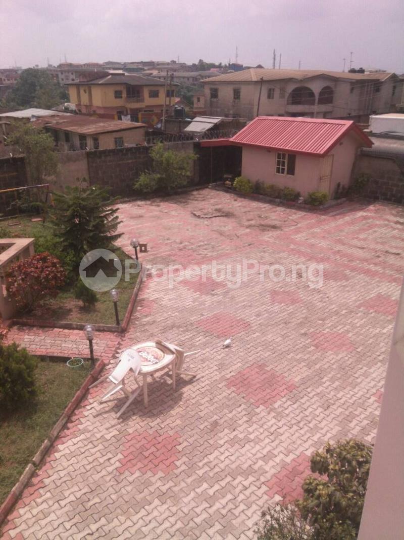 5 bedroom Detached Duplex House for sale Fishpond Area Agric  Agric Ikorodu Lagos - 11