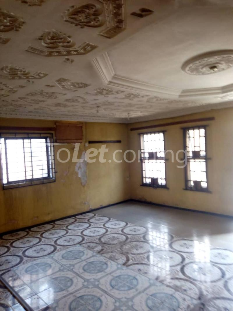 3 bedroom Flat / Apartment for rent Olukole Ogunlana Surulere Lagos - 1