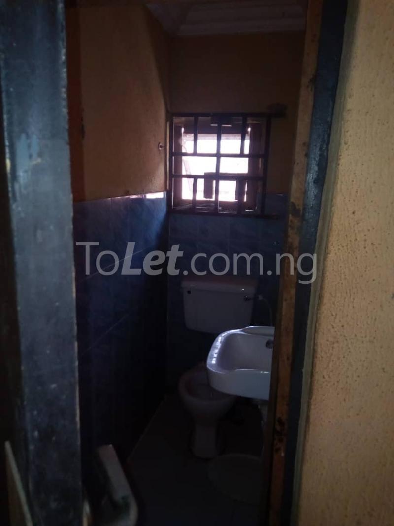 3 bedroom Flat / Apartment for rent Olukole Ogunlana Surulere Lagos - 6