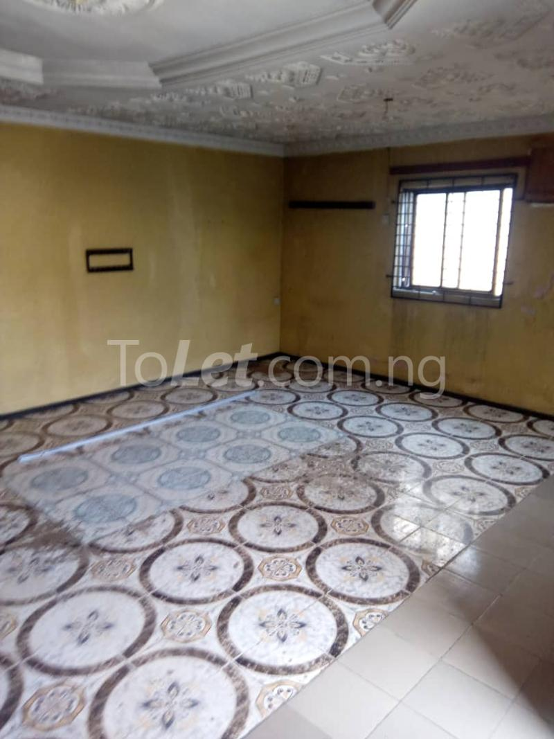 3 bedroom Flat / Apartment for rent Olukole Ogunlana Surulere Lagos - 3