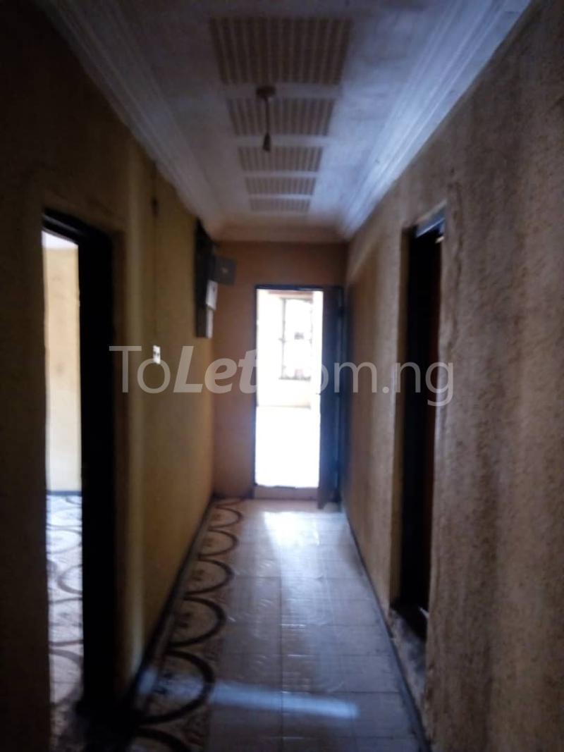 3 bedroom Flat / Apartment for rent Olukole Ogunlana Surulere Lagos - 5