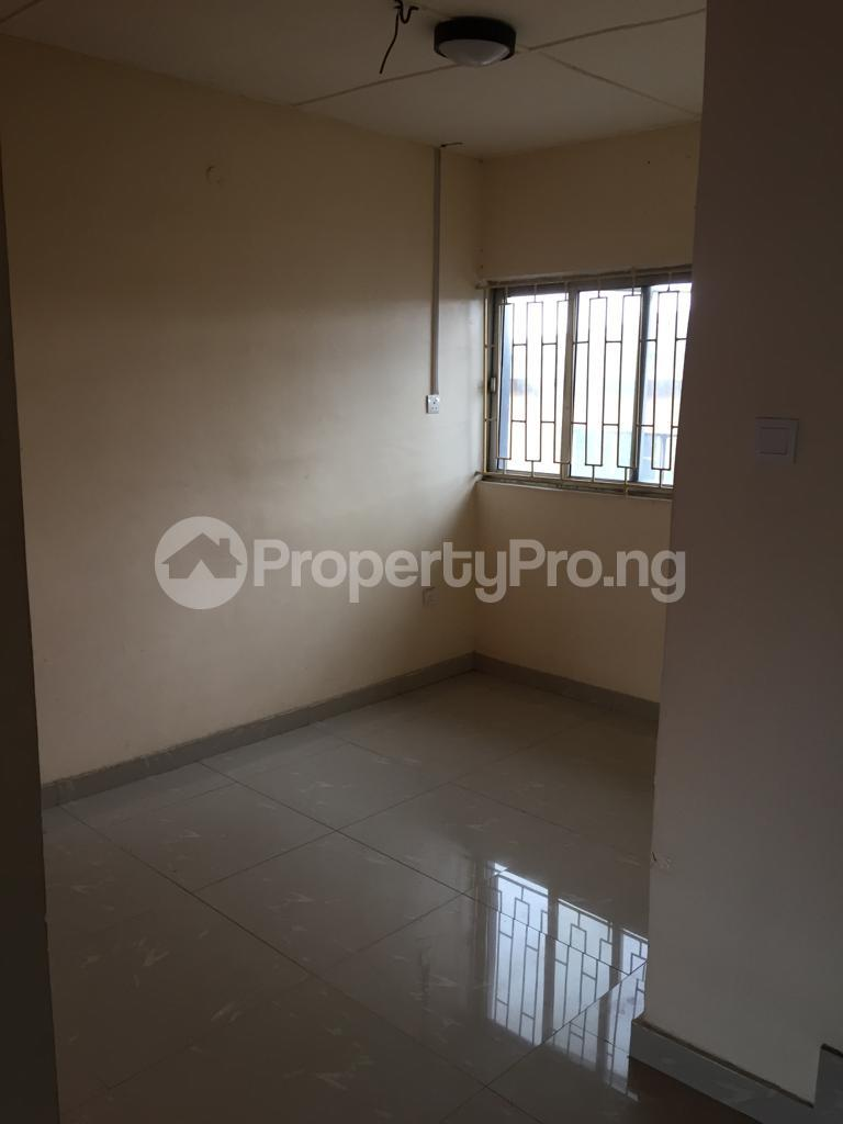2 bedroom Flat / Apartment for rent Fola Agoro Yaba Lagos - 6