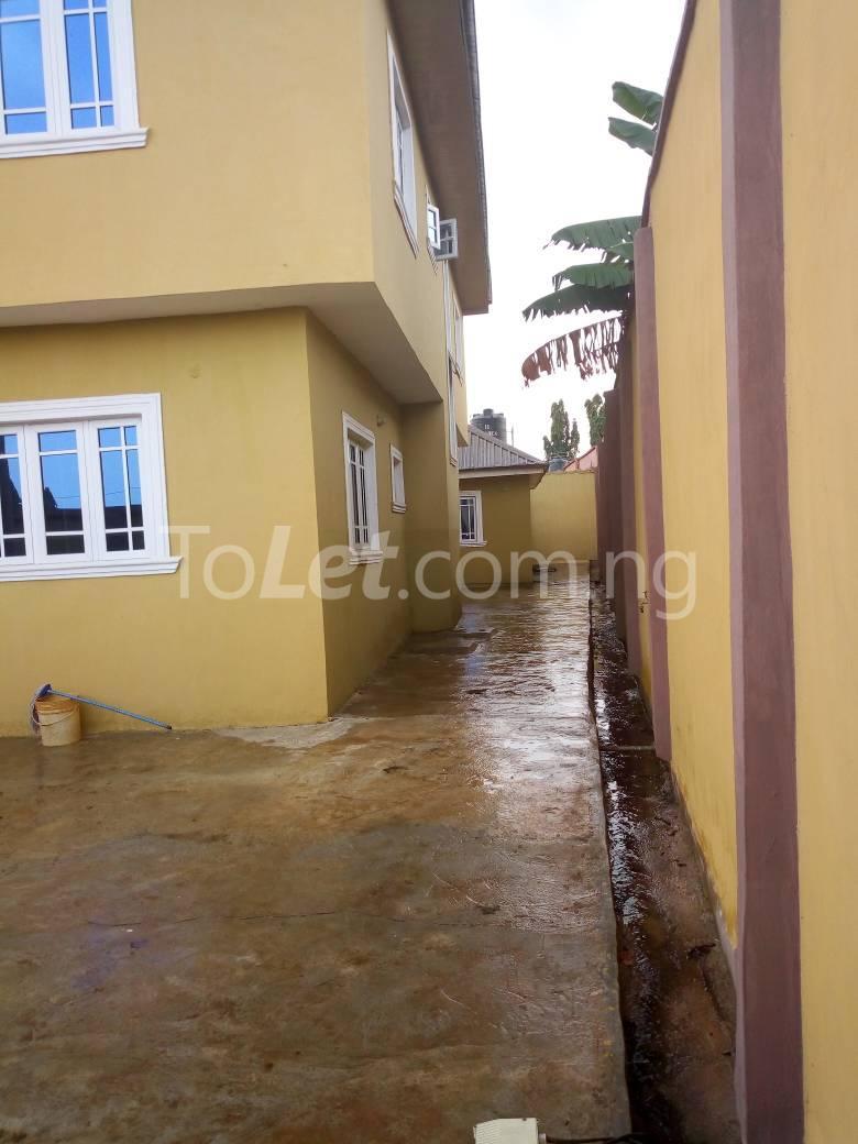 8 bedroom House for sale Along Kolapo Ishola Estate Akobo Ibadan Akobo Ibadan Oyo - 1