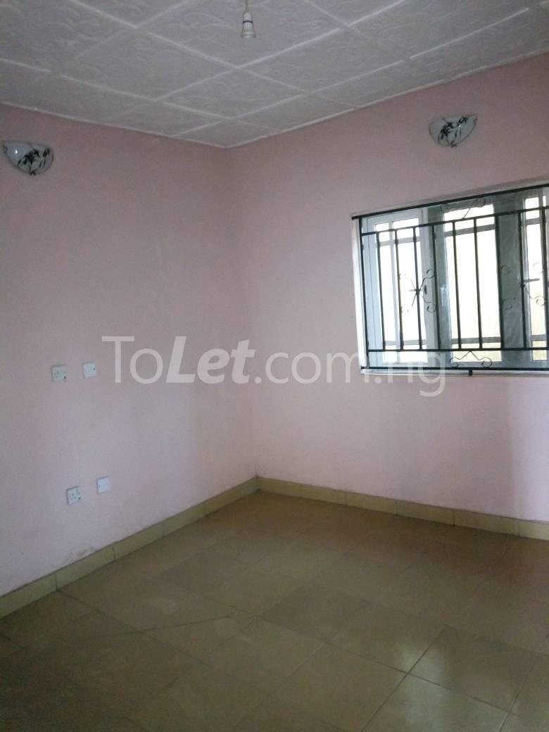 8 bedroom House for sale Along Kolapo Ishola Estate Akobo Ibadan Akobo Ibadan Oyo - 2