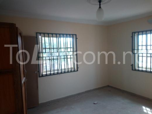 2 bedroom Flat / Apartment for rent way of peace Akure Ondo - 3