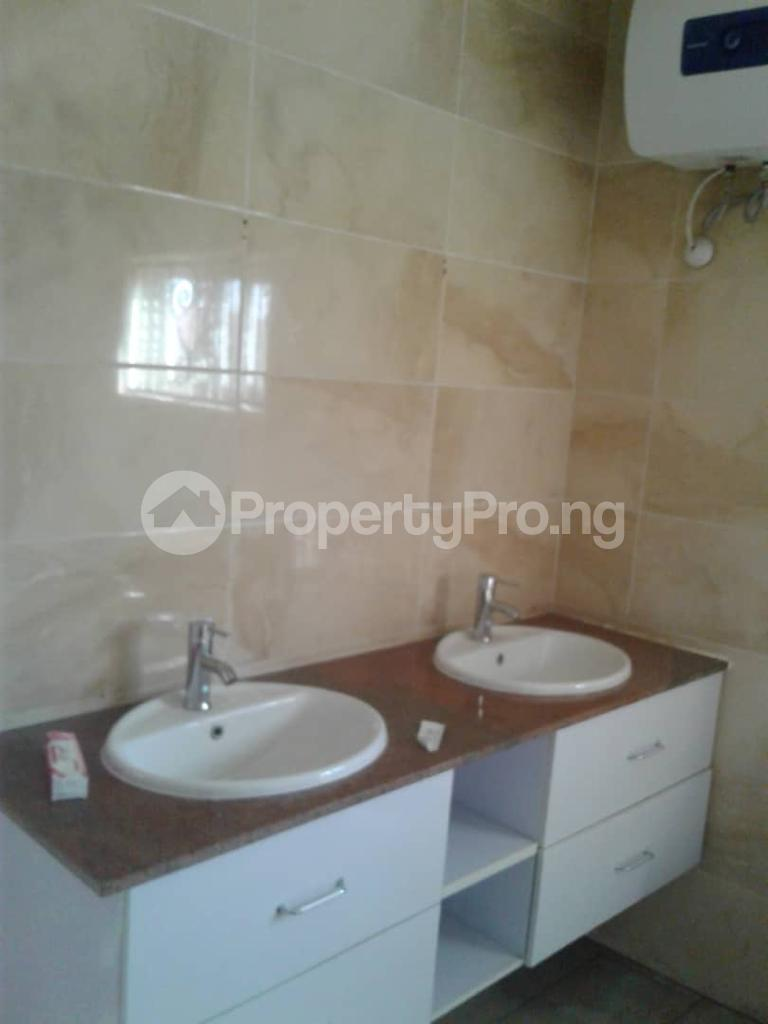 4 bedroom Penthouse Flat / Apartment for sale Ekorinim Calabar Cross River - 4