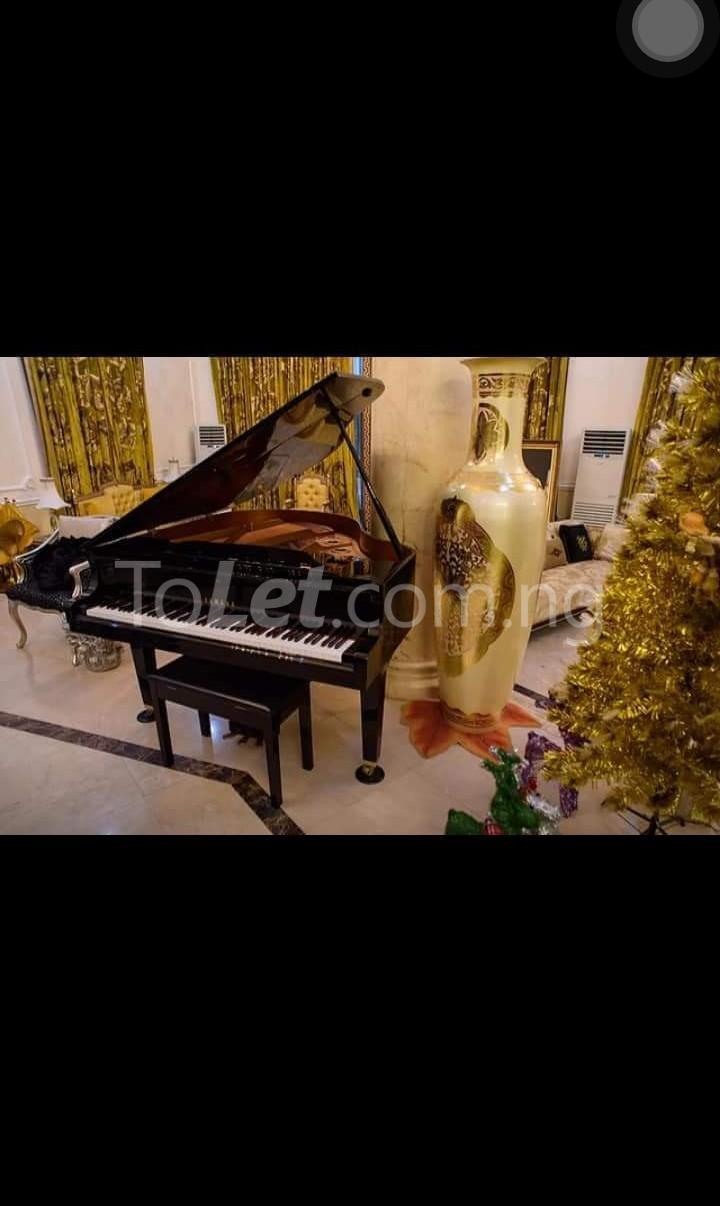 8 bedroom House for sale . Banana Island Ikoyi Lagos - 3