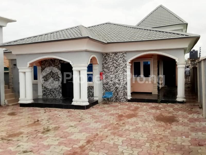 4 bedroom Semi Detached Bungalow House for sale KASUMU ESTATE  Akala Express Ibadan Oyo - 0
