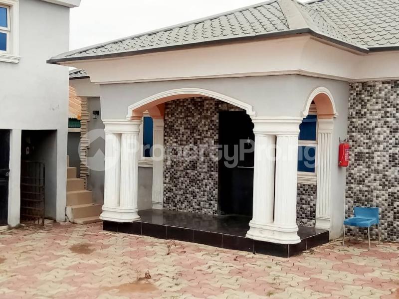 4 bedroom Semi Detached Bungalow House for sale KASUMU ESTATE  Akala Express Ibadan Oyo - 9