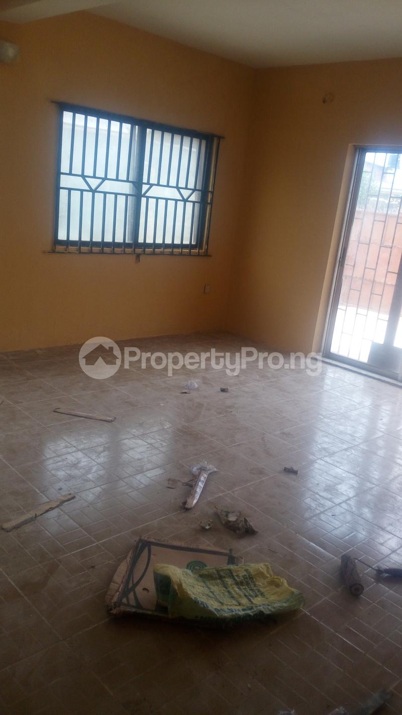 3 bedroom Flat / Apartment for sale Idimu Ejigbo Estate. Lagos Mainland  Ejigbo Ejigbo Lagos - 1