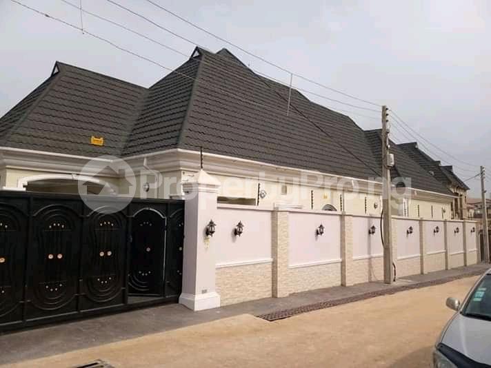 5 bedroom Detached Bungalow House for sale Gowon estate Egbeda Alimosho Lagos - 0