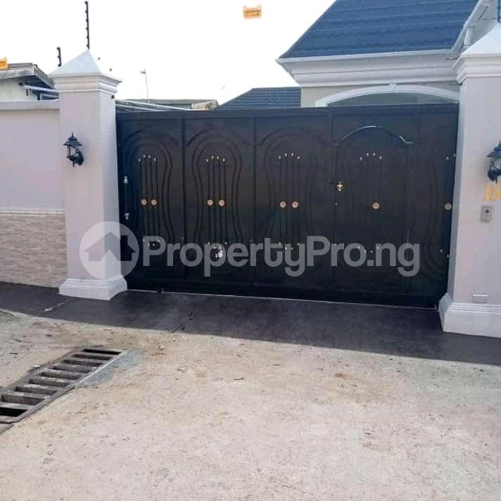 5 bedroom Detached Bungalow House for sale Gowon estate Egbeda Alimosho Lagos - 7