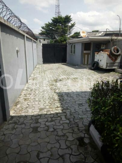 1 bedroom mini flat  Flat / Apartment for rent Rasaq Balogun Street Adeniran Ogunsanya Surulere Lagos - 1
