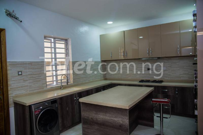 5 bedroom House for sale About 6 mins drive from circle mall, osapa london Osapa london Lekki Lagos - 9