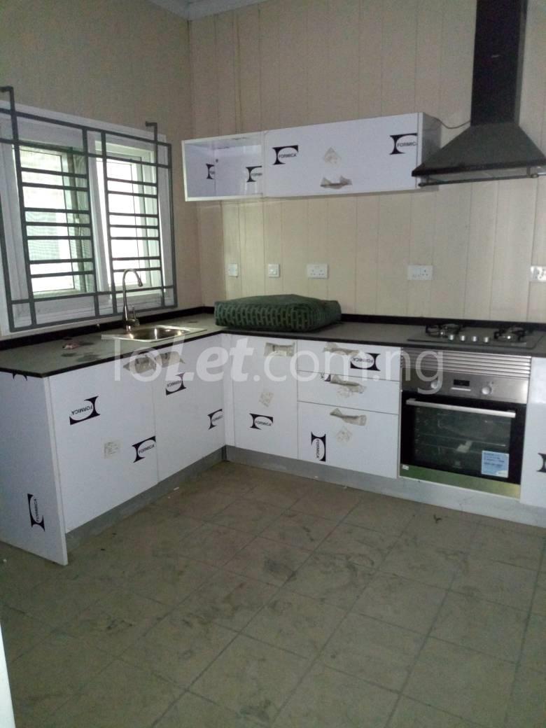 4 bedroom House for sale off Eric Moore Alaka/Iponri Surulere Lagos - 4