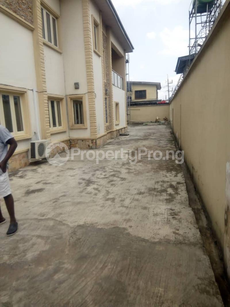 6 bedroom Detached Duplex House for rent Off Ogunlana Ogunlana Surulere Lagos - 3