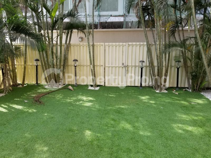 4 bedroom Terraced Duplex House for rent Banana Island Road Ikoyi Lagos - 13