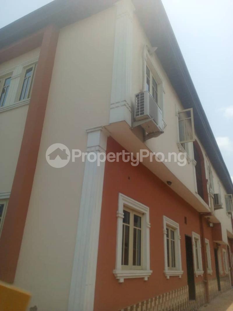 3 bedroom Flat / Apartment for rent Off Finbarrs Road, Akoka, Lagos. Akoka Yaba Lagos - 1