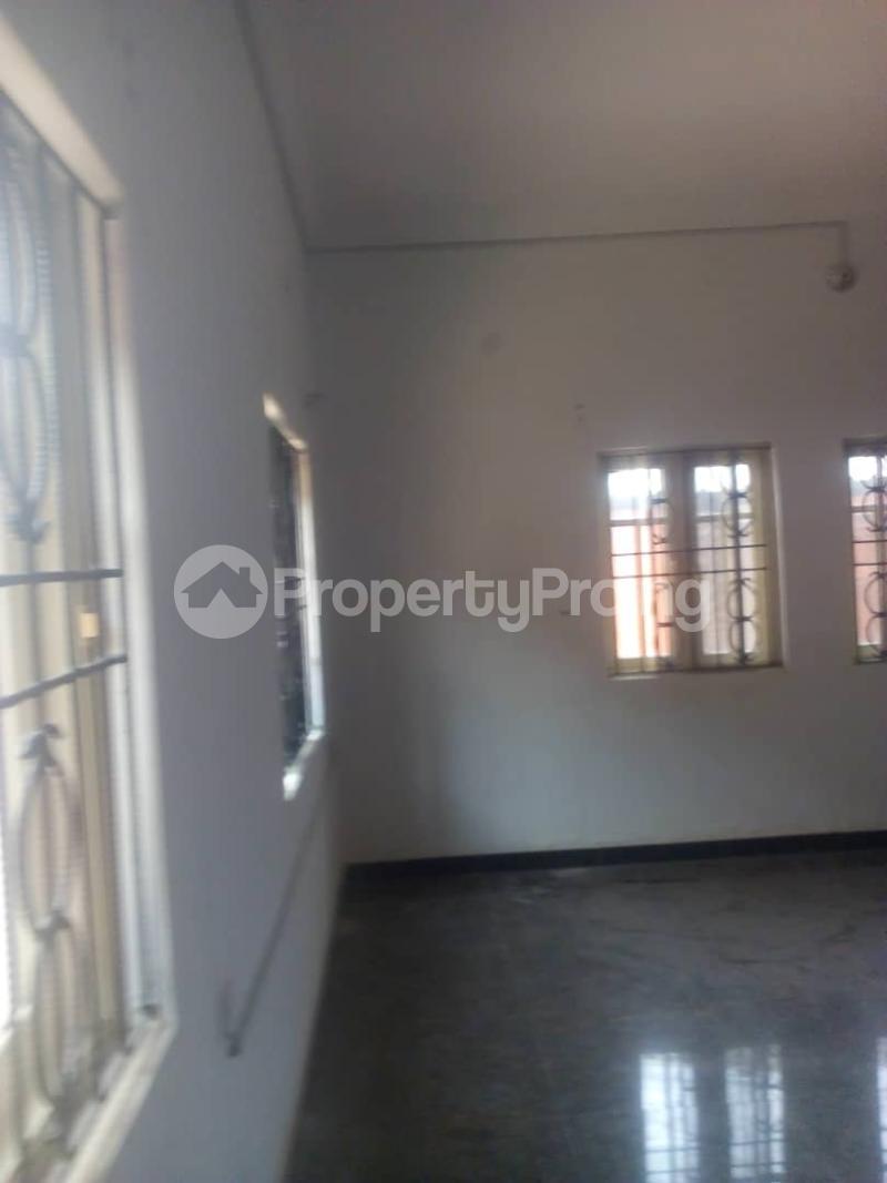 3 bedroom Flat / Apartment for rent Off Finbarrs Road, Akoka, Lagos. Akoka Yaba Lagos - 5