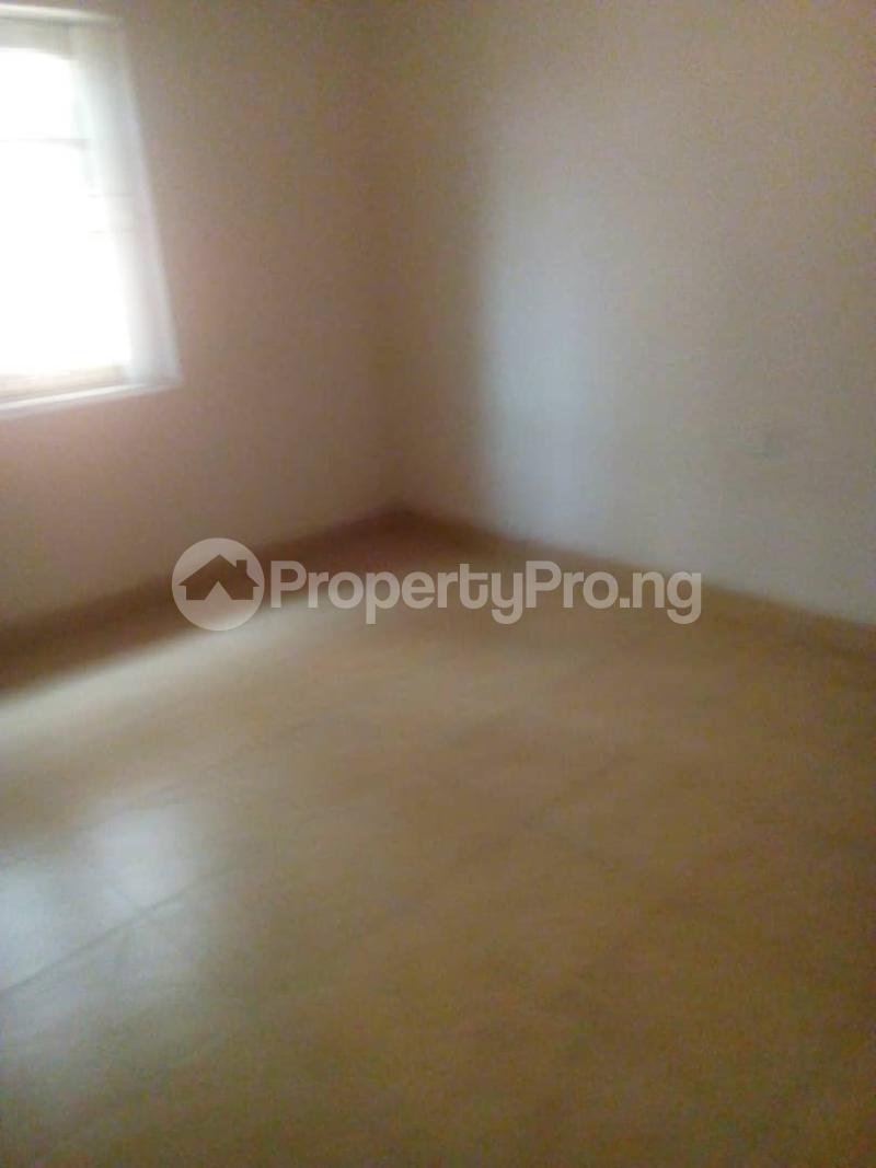 3 bedroom Flat / Apartment for rent Off Finbarrs Road, Akoka, Lagos. Akoka Yaba Lagos - 9