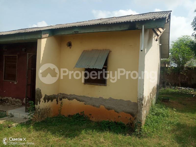 2 bedroom Semi Detached Bungalow House for sale NIA quarters FHA lugbe Lugbe Abuja - 1