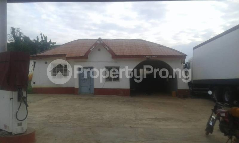 Commercial Property for sale  opp king's college moniya ibadan along/ibadan road  Akinyele Oyo - 1