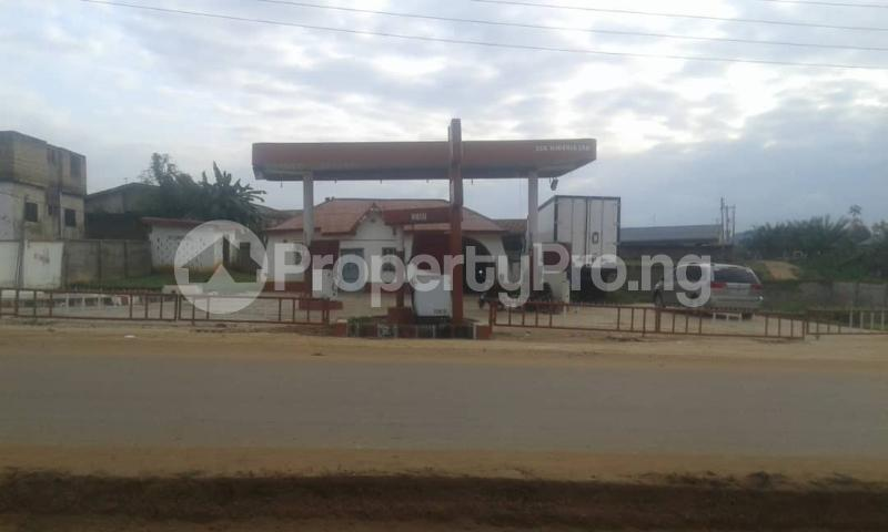 Commercial Property for sale  opp king's college moniya ibadan along/ibadan road  Akinyele Oyo - 6