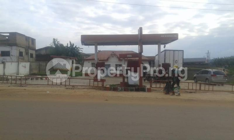 Commercial Property for sale  opp king's college moniya ibadan along/ibadan road  Akinyele Oyo - 9