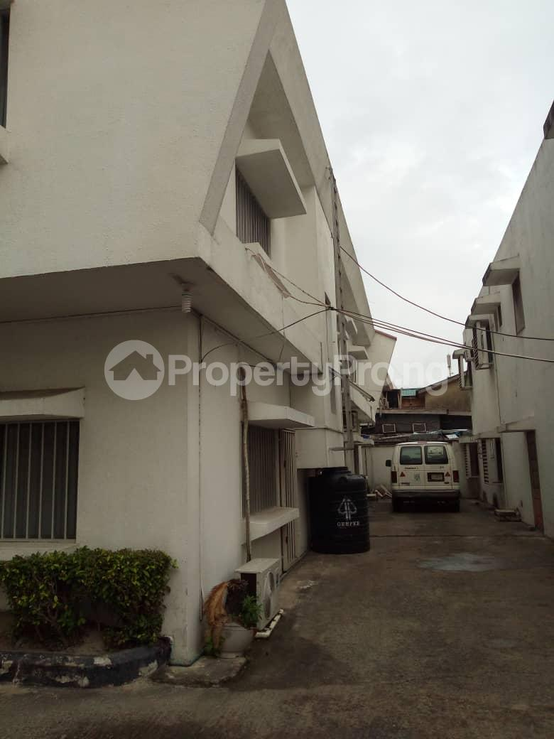 6 bedroom Detached Duplex House for sale Akin Ogunlewe Victoria  Island Akin Olugbade Victoria Island Lagos - 6