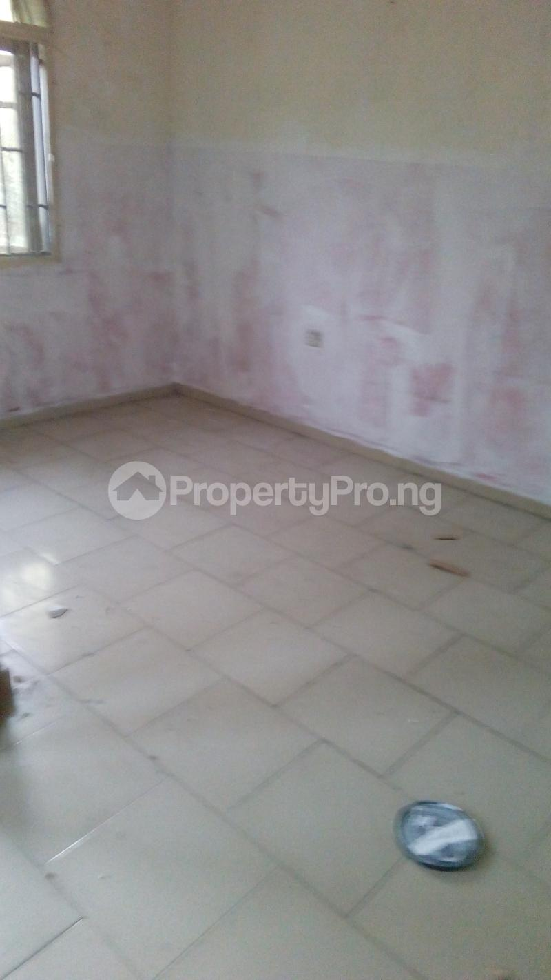 2 bedroom Flat / Apartment for rent abolade street off omilani street Ijesha Surulere Lagos - 1
