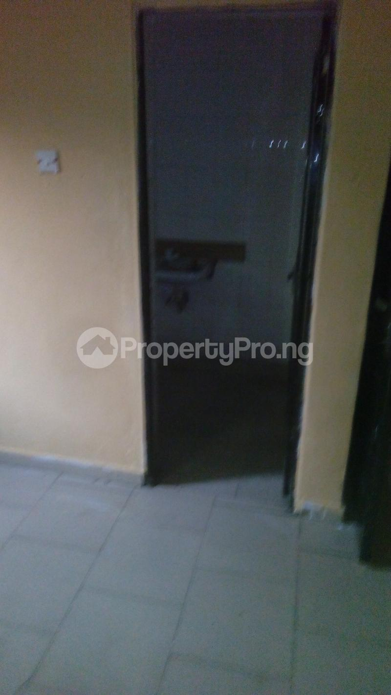 2 bedroom Flat / Apartment for rent abolade street off omilani street Ijesha Surulere Lagos - 2