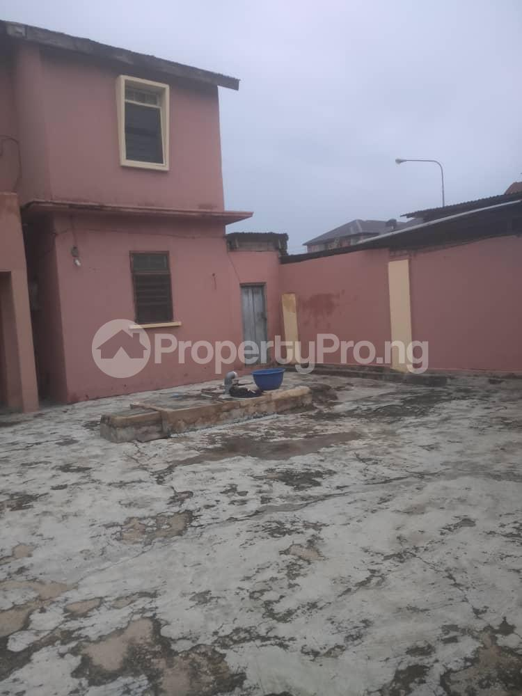 3 bedroom Blocks of Flats House for sale Off LUTH, mushin Mushin Mushin Lagos - 6