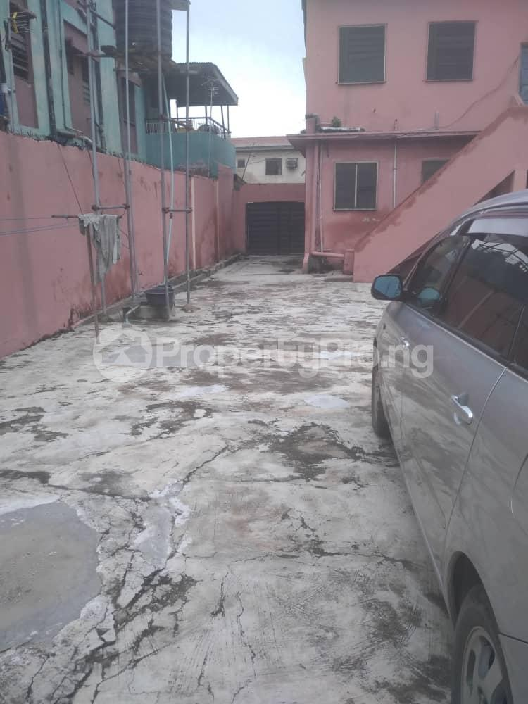 3 bedroom Blocks of Flats House for sale Off LUTH, mushin Mushin Mushin Lagos - 9