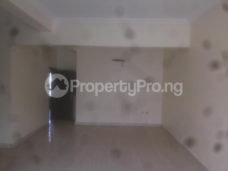 4 bedroom Massionette House for sale Jacob mews estate Adekunle Yaba Lagos - 3