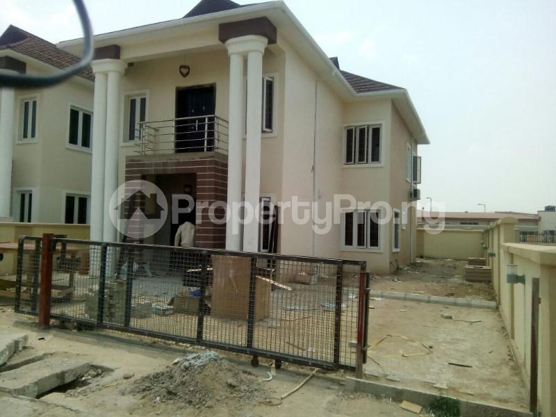 4 bedroom Terraced Duplex House for sale Flowergates Estate Apo Abuja - 3