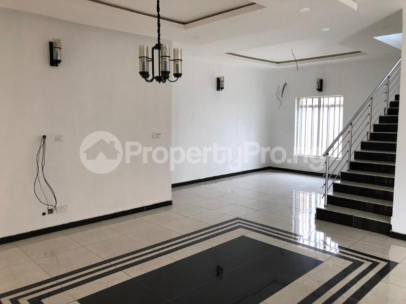 4 bedroom Detached Duplex House for sale ilaje mobil road VGC Lekki Lagos - 9