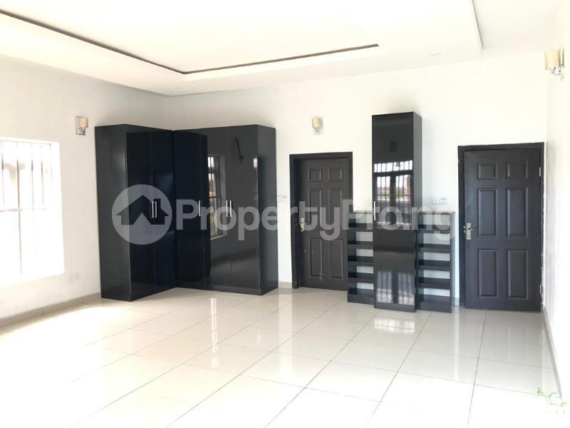 4 bedroom Detached Duplex House for sale ilaje mobil road VGC Lekki Lagos - 5