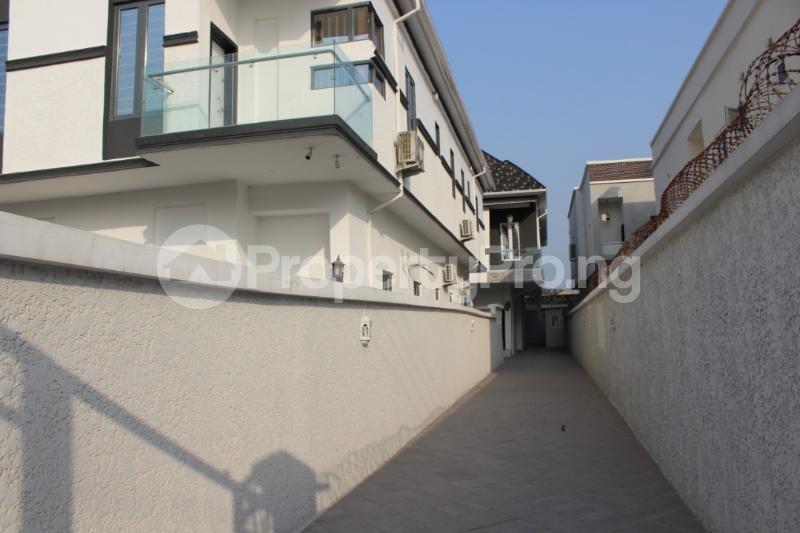 5 bedroom Detached Duplex House for sale Chevyview estate chevron Lekki Lagos - 18