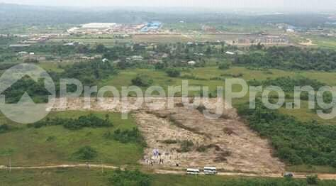 Residential Land Land for sale Opposite the RCCG Redemption Camp Mowe Obafemi Owode Ogun - 1