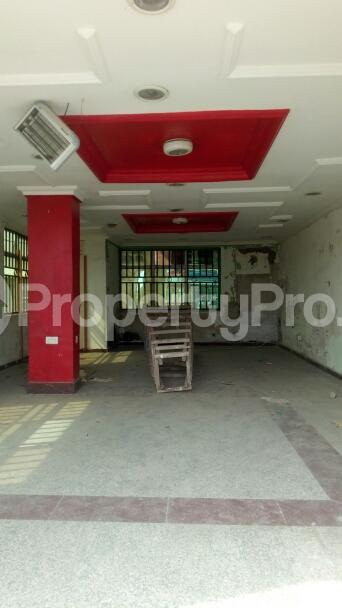 Shop for rent Admiralty Way Lekki Phase 1 Lekki Lagos - 4