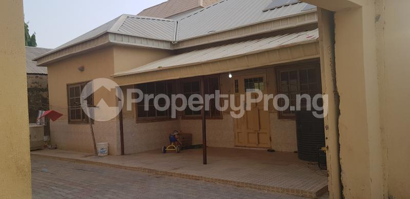 7 bedroom Semi Detached Bungalow House for sale Dorayi Babba Unguwar Wambai Qtrs, Opposite Rijiyar Zaki Qtrs, BUK New Site Road, Kano Gwale Kano - 2