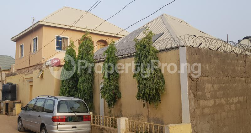 7 bedroom Semi Detached Bungalow House for sale Dorayi Babba Unguwar Wambai Qtrs, Opposite Rijiyar Zaki Qtrs, BUK New Site Road, Kano Gwale Kano - 0