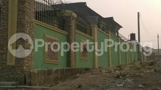 4 bedroom Flat / Apartment for sale oluyole extention elebu Ibadan Oyo - 7