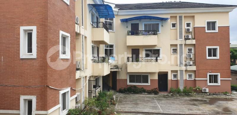 3 bedroom Blocks of Flats House for sale Obanikoro Obanikoro Shomolu Lagos - 0