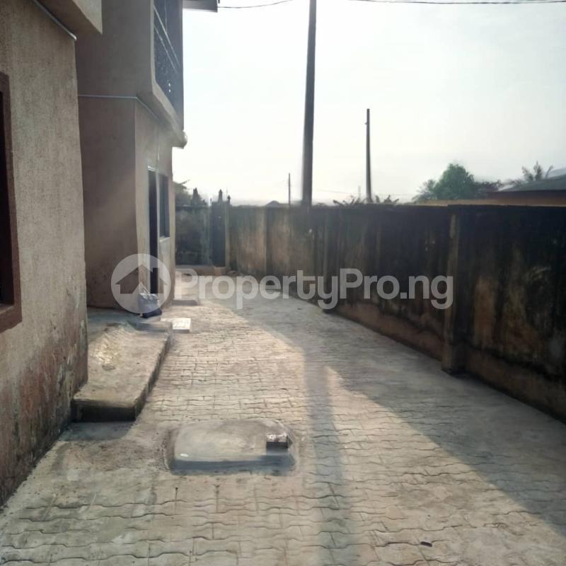 Mini flat Flat / Apartment for rent ORI-ADE BLOCK, ENROUTE TO WADOYE AVENUE, PIPELINE ROAD, AJUWON. Yakoyo/Alagbole Ojodu Lagos - 5