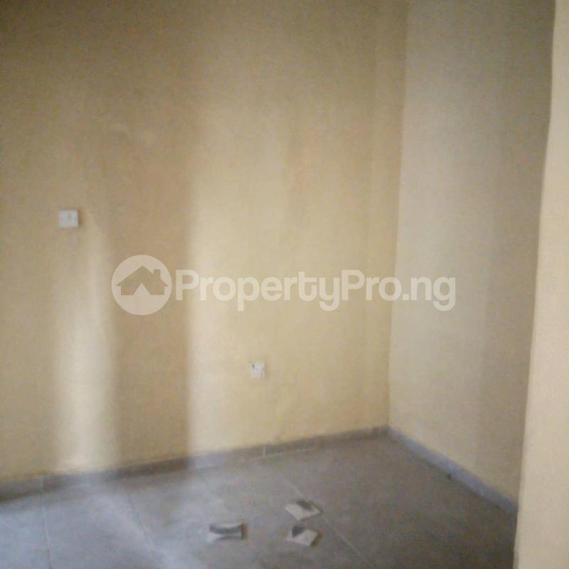 Mini flat Flat / Apartment for rent ORI-ADE BLOCK, ENROUTE TO WADOYE AVENUE, PIPELINE ROAD, AJUWON. Yakoyo/Alagbole Ojodu Lagos - 4