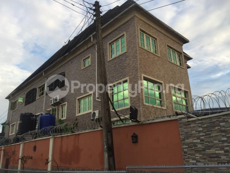 2 bedroom Flat / Apartment for rent Oluwadare  Fola Agoro Yaba Lagos - 1