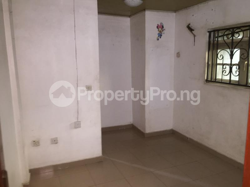 2 bedroom Flat / Apartment for rent Oluwadare  Fola Agoro Yaba Lagos - 6
