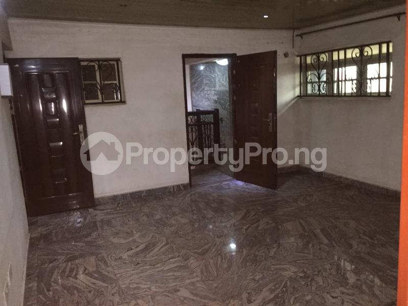 2 bedroom Flat / Apartment for rent Oluwadare  Fola Agoro Yaba Lagos - 3
